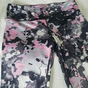 Pants - 💖Workout mid calf leggings😍